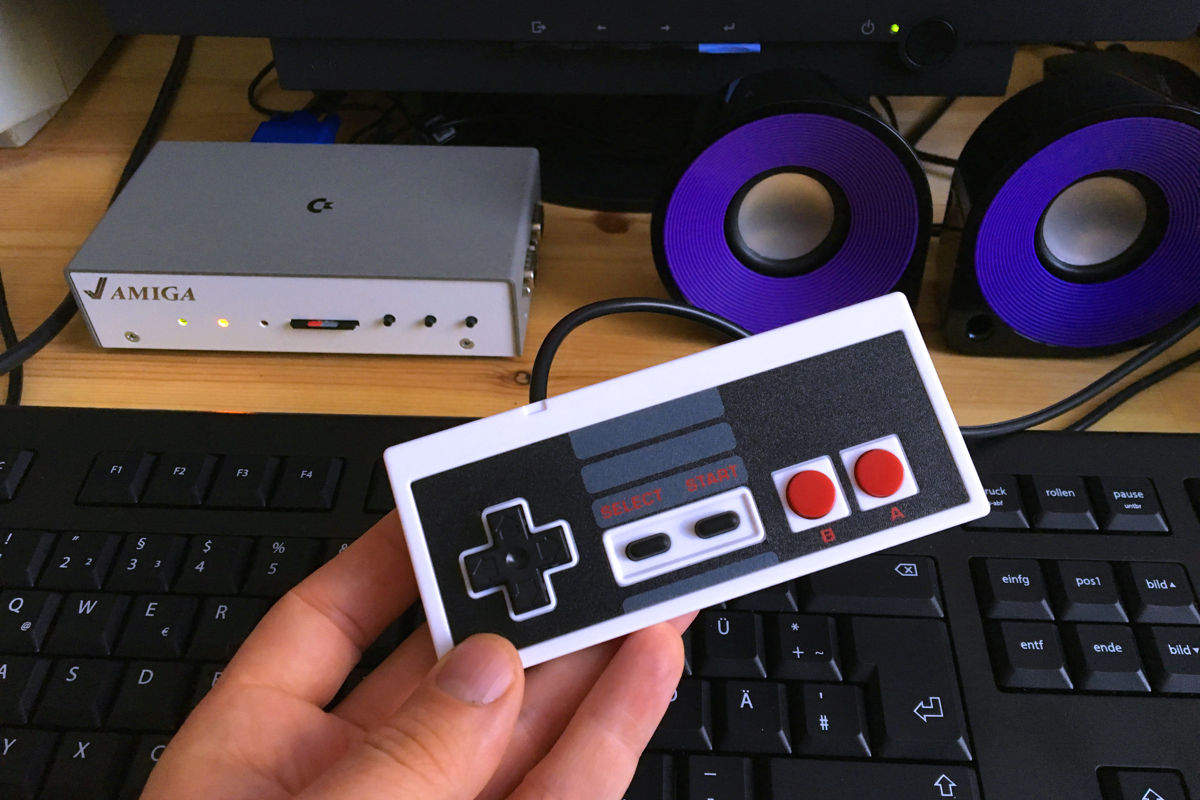 Peripherals for the Mist FPGA are a matter of taste. On this picture we see an Nintendo style USB controller.